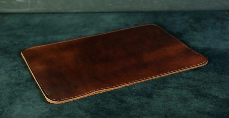 Кожаный чехол для макбука