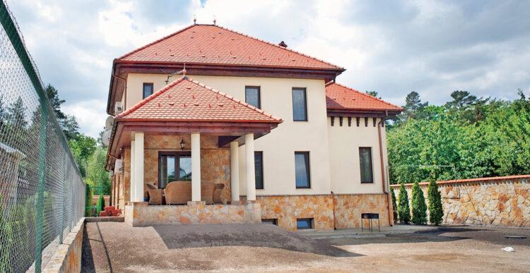 В чем особенность дома из керамоблоков и их строительства?